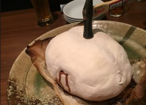 雛鶏の塩釜焼き