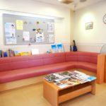 厚生労働省は新型コロナウイルスの感染防止対策で歯科医院に緊急性のない治療は延期を求めていた