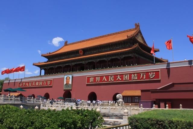 新型コロナウィルスを感染拡大させた理由は中国からの入国を4月2日まで認めていたことです
