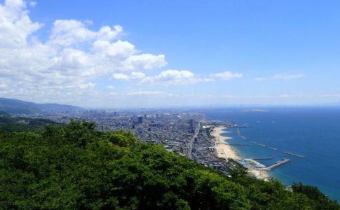 須磨海岸で高校生と酒に酔った55歳男性のトラブル